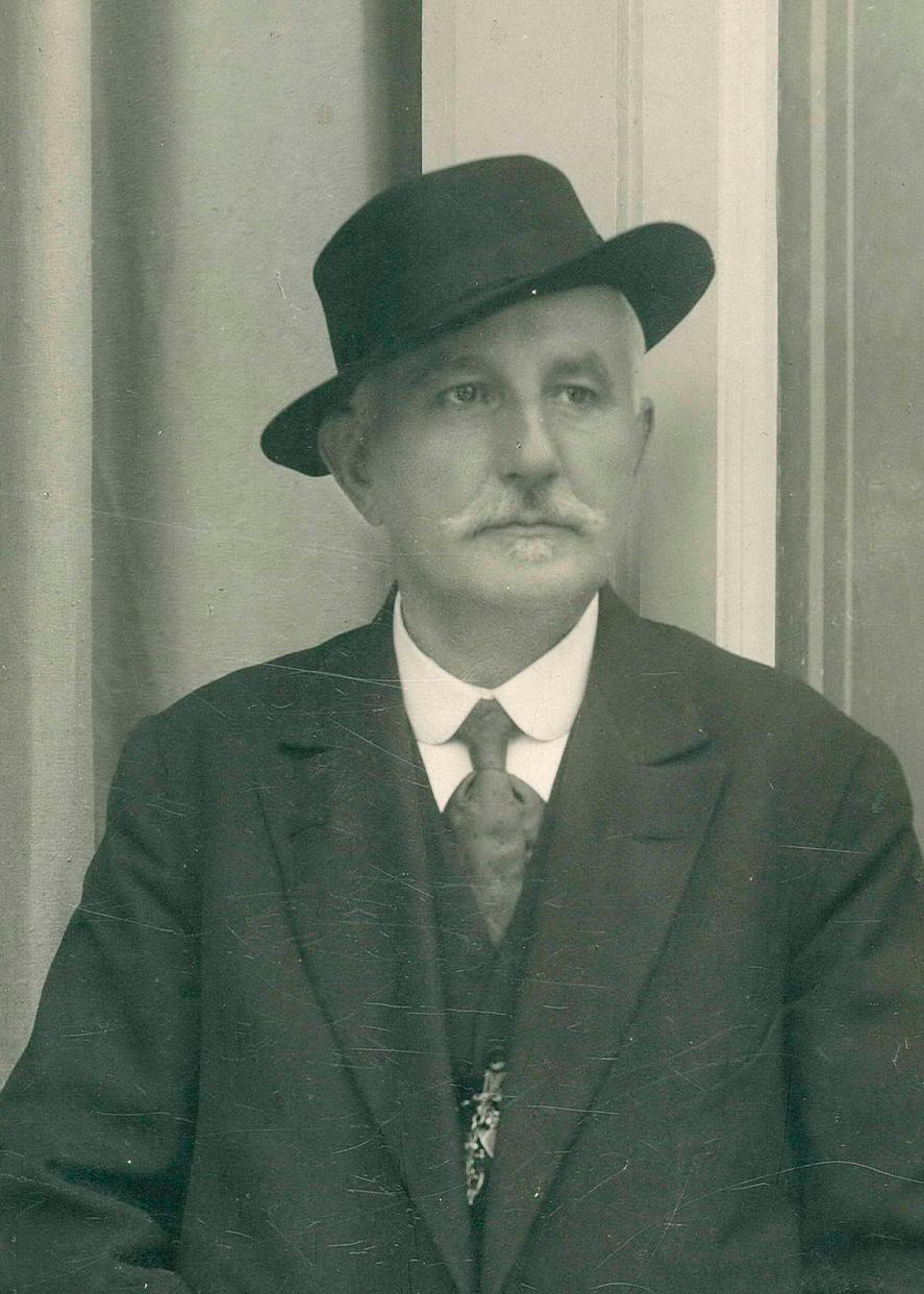 Гуго Варлих