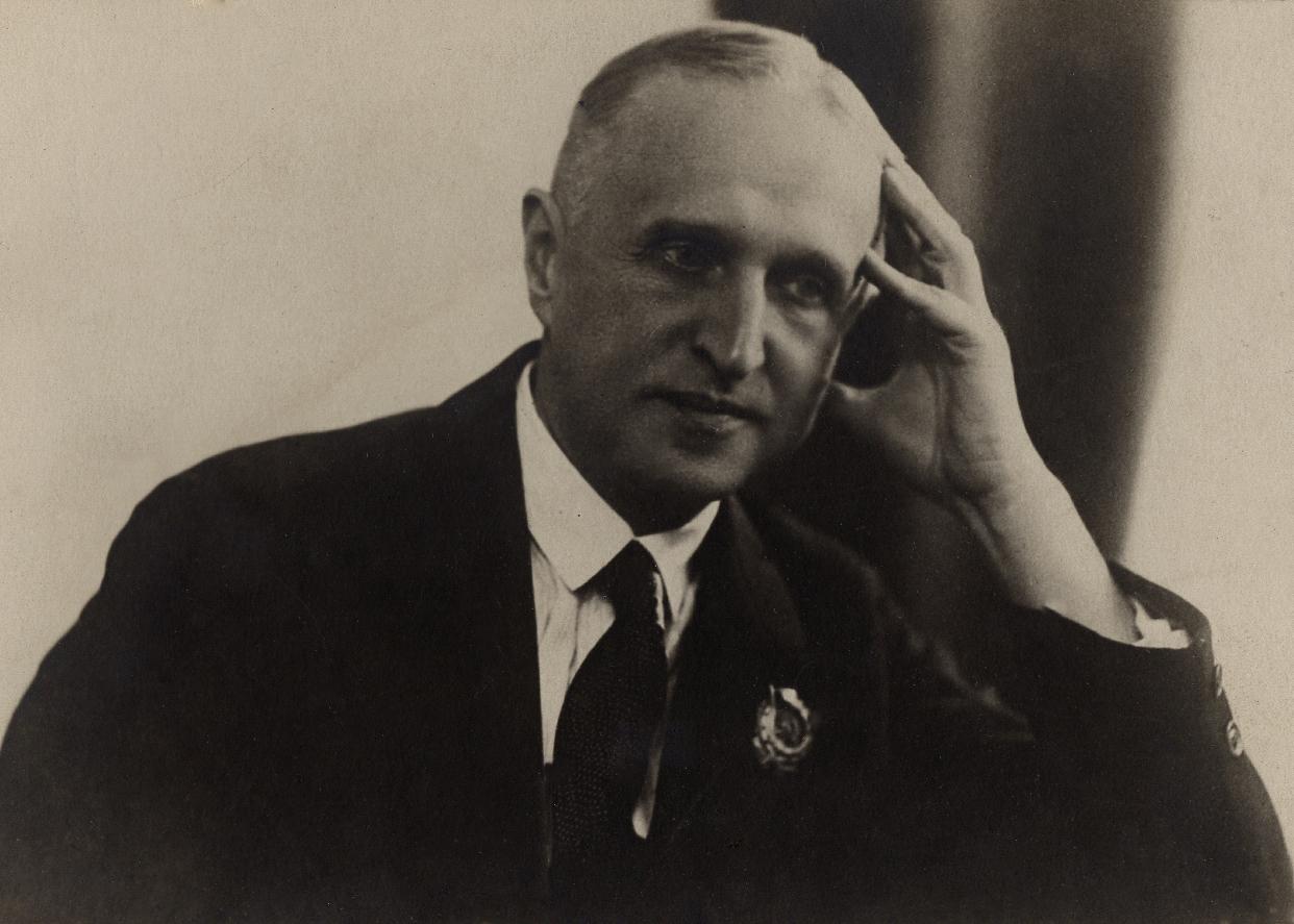 Леонид Николаев